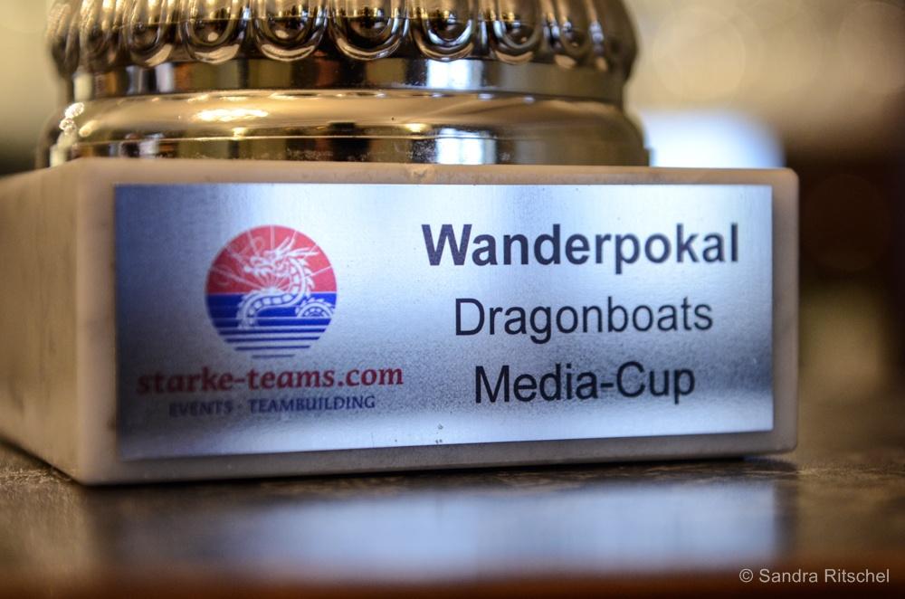 Spendenübergabe Drachenbootrennen